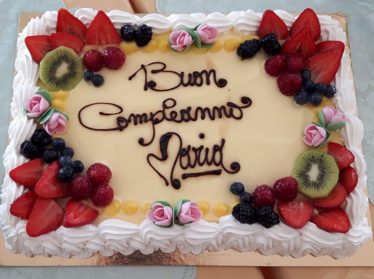 Torte Decorate Per Natale torta di compleanno 2019 nonna maria: pan di spagna con chantilly e frutta  fresca