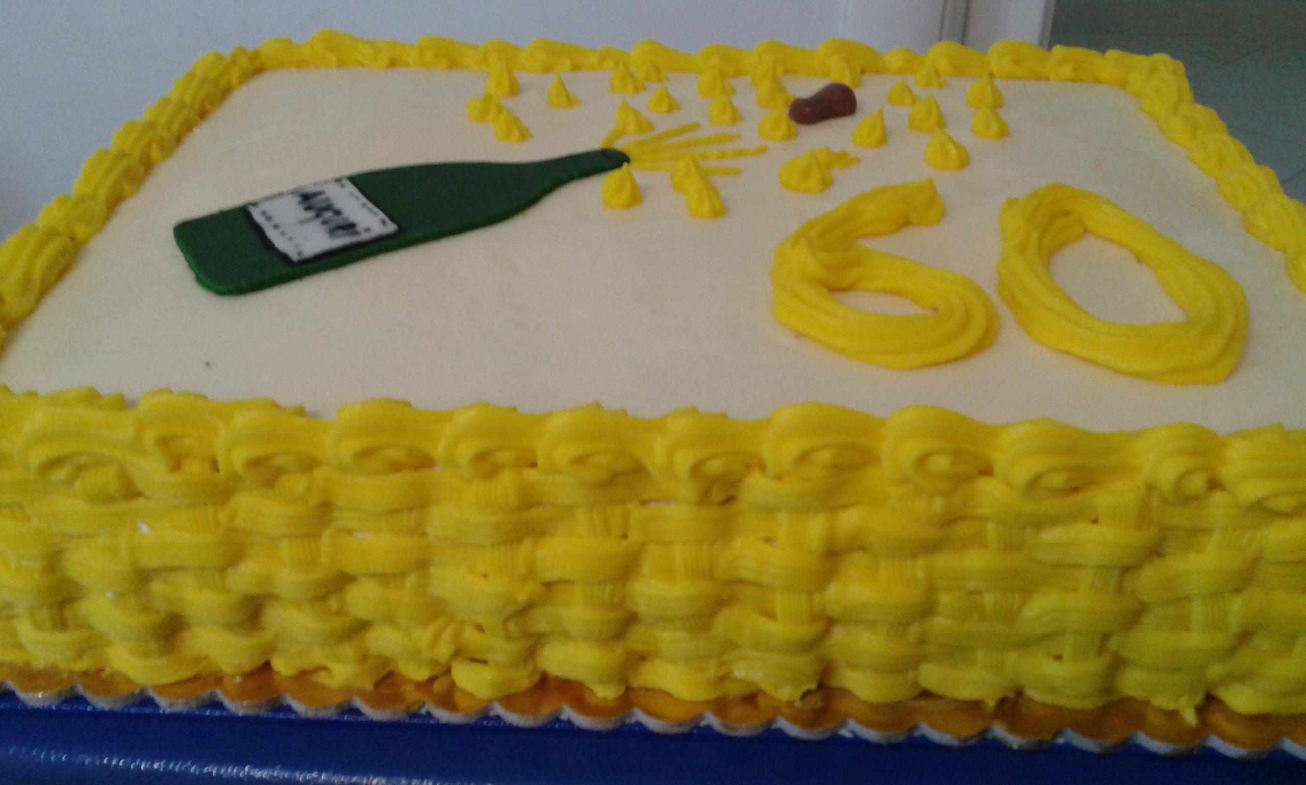Ricetta torta dei 60 anni dolcidee for Decorazioni per torta 60 anni
