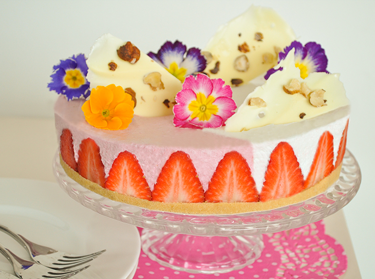 Favoloso Ricetta Torta panna e fragole con fiori RB02